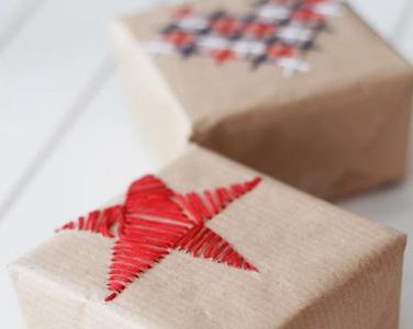 Kerstcadeautjes inpakken: borduren