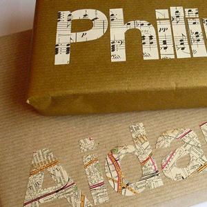 Kerstcadeautjes inpakken: persoonlijk