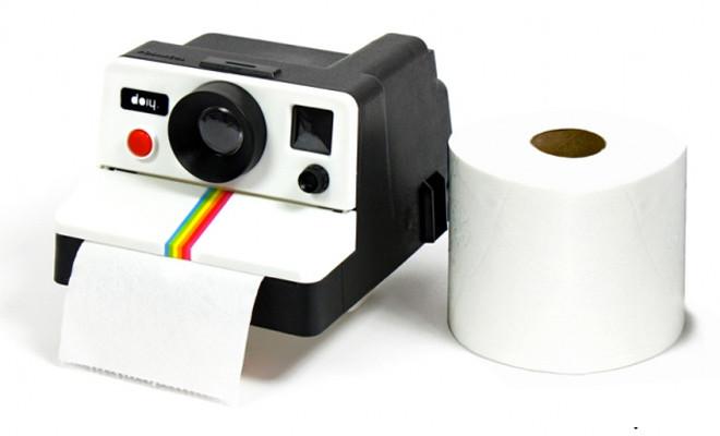 toiletpapierhouder DIoy, polaroidcamera